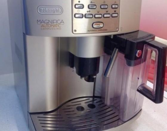 0a7d1e389 Elektro predaj / ponuka Prešov Automatický kávovar DeLonghi